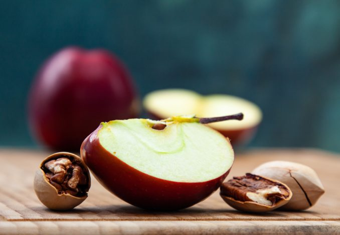Apple with Pecan Nuts