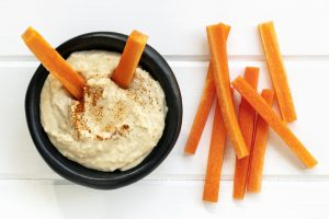 Carrots with Hummus Dip