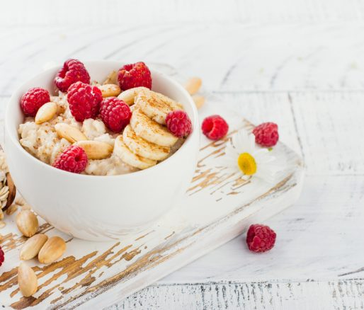 Cinnamon Porridge with Banana and Raspberries with soya milk