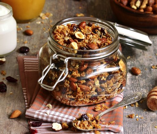 Crunchy Granola with Cranberries and Honey