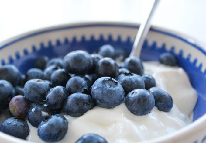 Greek Yoghurt with Blueberries and Pumpkin Seeds