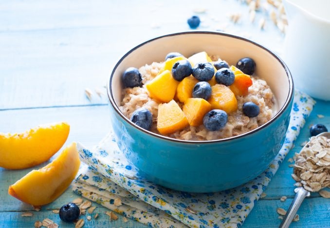 Oatmeal with Blueberry, Ginger and Peach (soya milk)