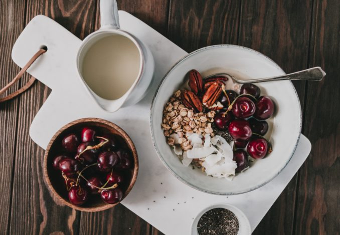 Oatmeal with Brazil Nut and Cherries