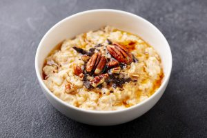 Oatmeal with Pecans and Honey