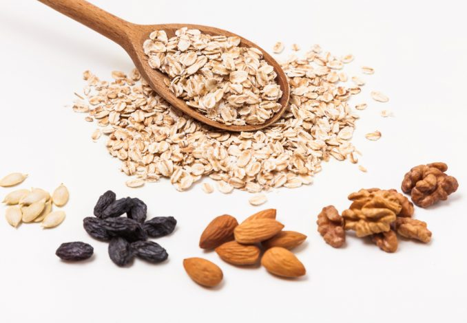 Oatmeal with Pecans, Raisins and Almonds