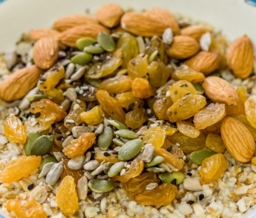 Oatmeal with Pumpkin Seeds and Raisins