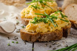 Scrambled Eggs on Gluten-Free Toast (no milk)